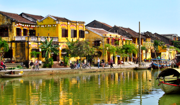 Adventures in Vietnam - Lovely Little Hoi An - Where Is Nikki?